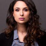 headshot Mounira 2