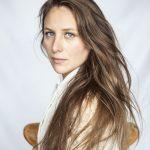 JoanaVinogradoff-side